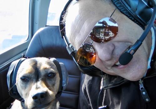 Der Autor mit seiner flugbegeisterten Co-Pilotin Carla von Mallorca