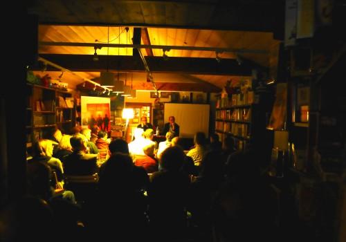 Volles Haus bei Lesung Buchhandlung Krein in Neunkirchen Seelscheid am 23.10.2015